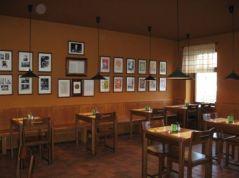 Restaurace Škoda lásky - interiér